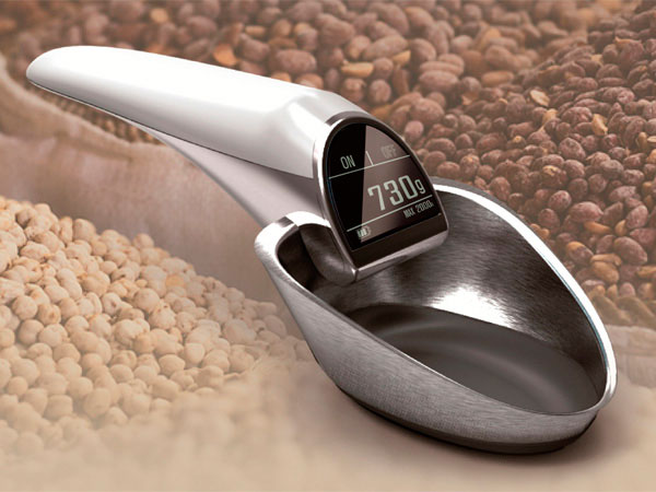 Scoop and Electronic Scale, very useful kitchen gadget.